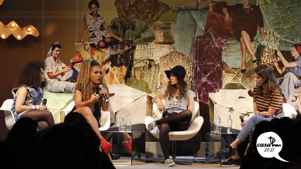 Assucena Assucena e Raquel Virgínia, da bandaAs Bahias e a Cozinha Mineira, ea cantora Ana Cañas conversam sobre o lugar da mulher na indústria da música com a apresentadora Roberta Martinelli