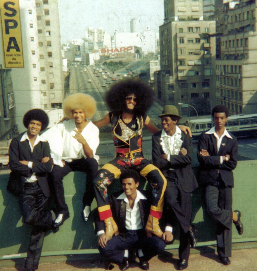 Nelson Triunfo, na música e principalmente como dançarino, nos anos 70 e 80, foi figura fundamental da cultura do hip hop nacional