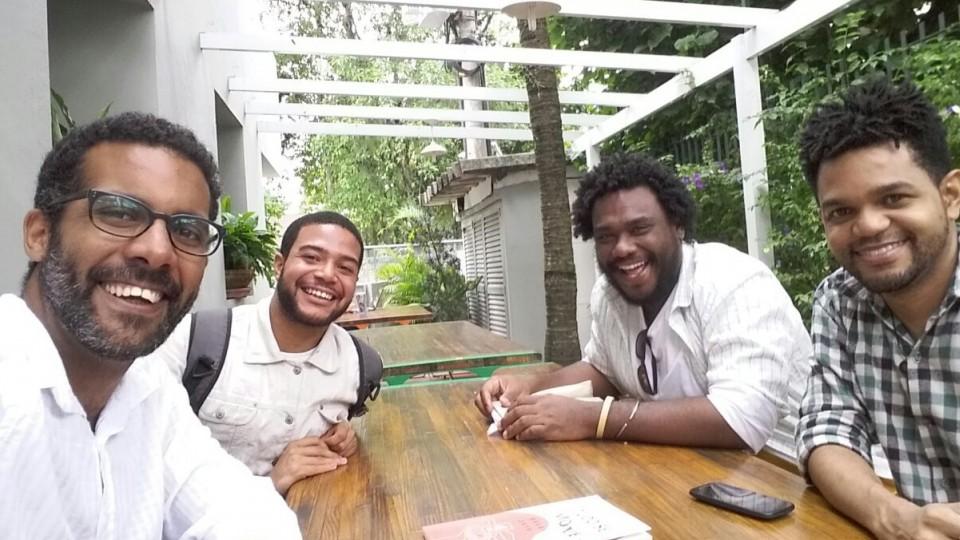 Da esq. para a dir., a equipe da plataforma Diaspora.Black: Antonio Luz, Gabriel Oliveira, Carlos Humberto da Silva Filho e Gabriel Oliveira