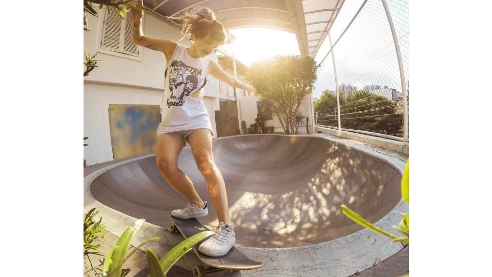 Karen Jonz prova que maternidade e skate têm tudo a ver