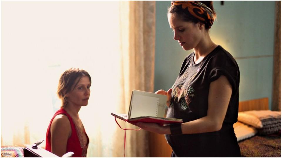 Com Deborah Secco, grávida de oito meses no set de Boa Sorte, seu primeiro longa