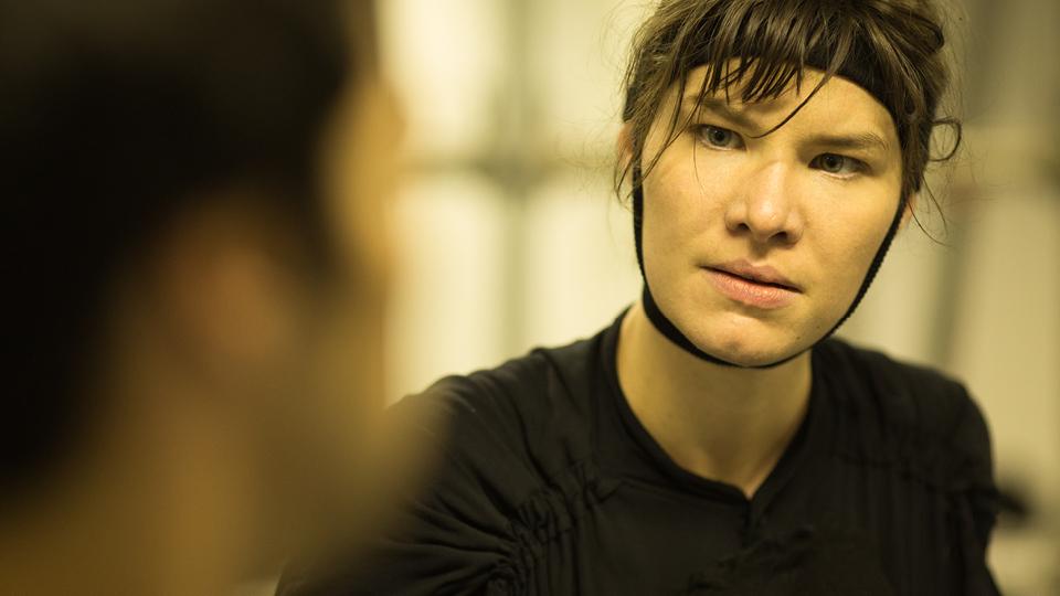 Luíza Lemmertz, filha da atriz Júlia Lemmertz, interpreta Diadorim, o jagunço mais bruto da história