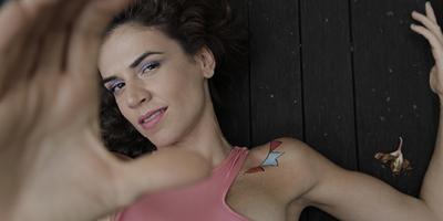 Mariana Aydar puxa bloco de forró no carnaval