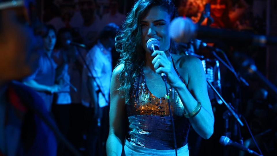 A cantora Mariana Aydar teve o forró como referência desde a infância, quando sua mãe trabalhava com Luiz Gonzaga