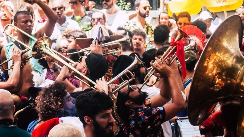 A Espetacular Charanga do França sobe a temperatura no Carnaval