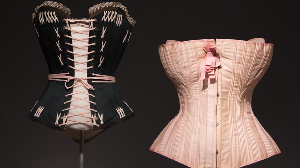 Do século 19, espartilho com 80 cm de cintura é um dos destaques da exposição