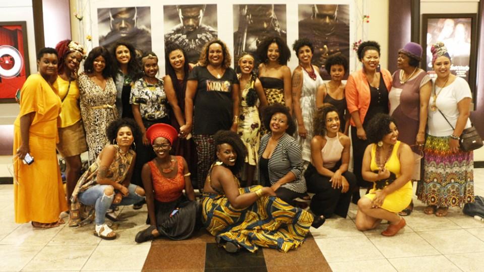 Mulheres presentes na sessão de cinema exclusiva para negros, organizada por Mayara Silva de Souza, integrante do grupo feminista Negras Empoderadas