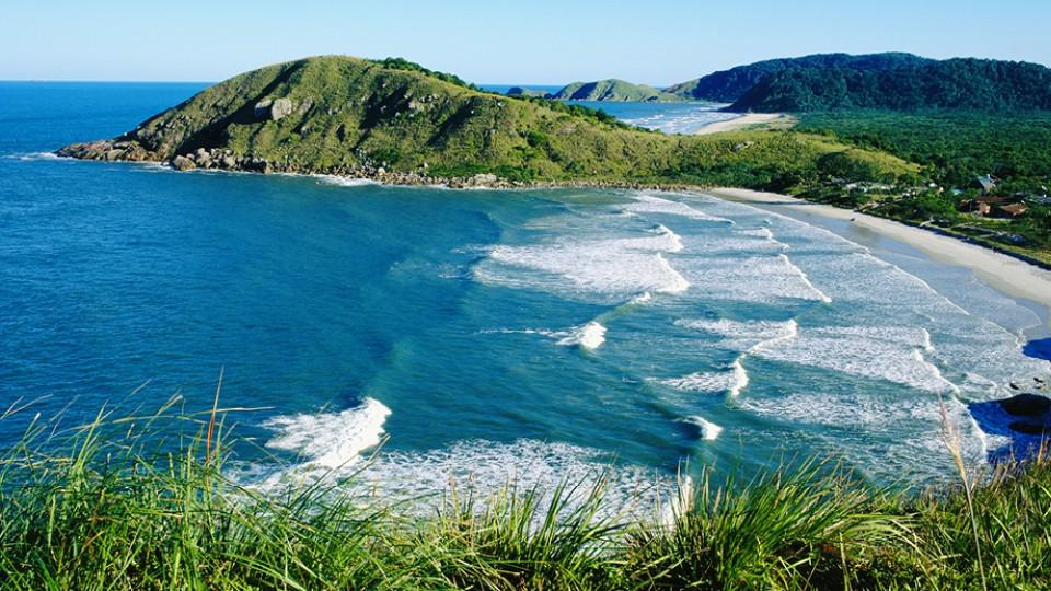 A Ilha do Mel faz parte de uma das principais reservas da Mata Atlântica do país