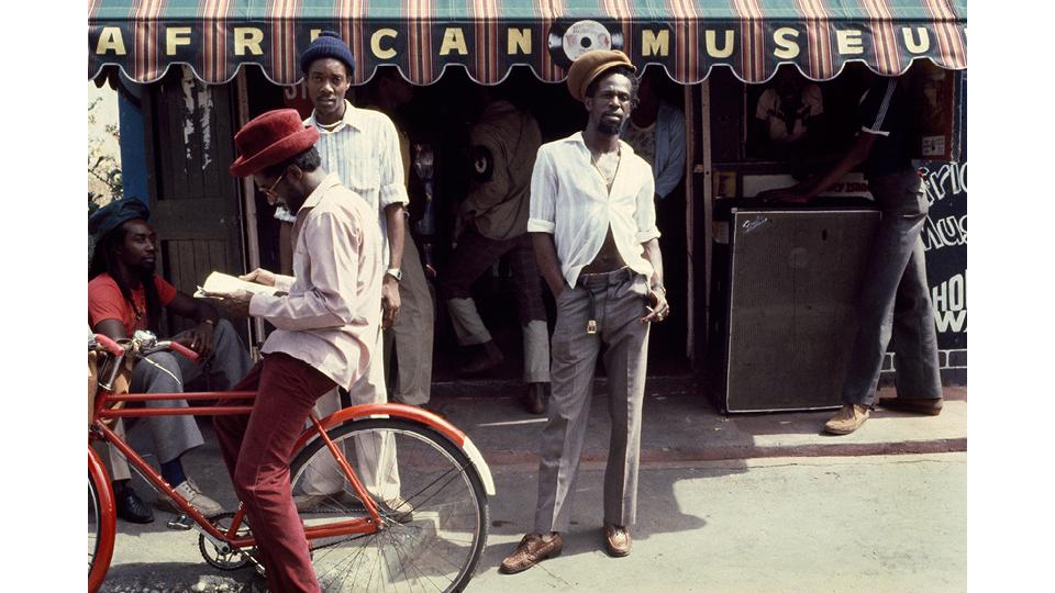 Gregory Isaacs, voz de grandes clássicos do reggae romântico
