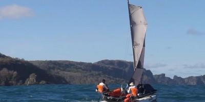 10 dias no oceano num barquinho de 4 metros