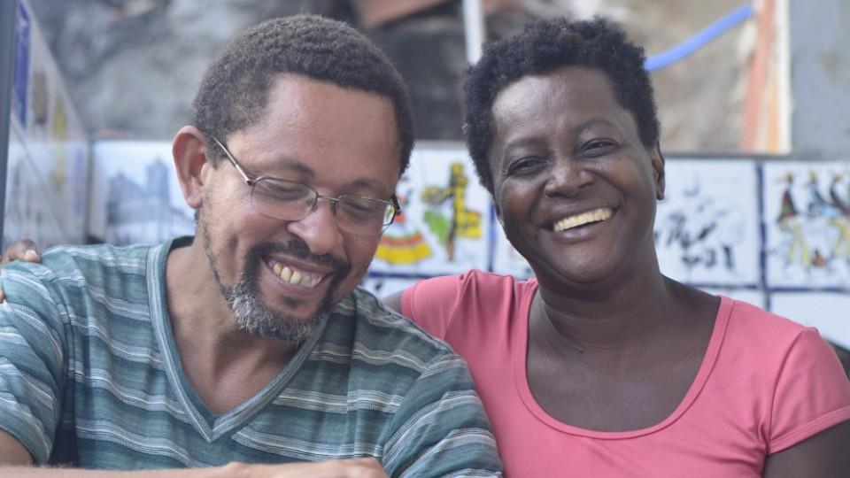 José Eduardo Ferreira Santos e Vilma Santos são os anfitriões no museu Acervo da Laje, que começou na casa deles, onde ainda fica uma das sedes, mas ganhou um espaço maior para continuar escrevendo essa história