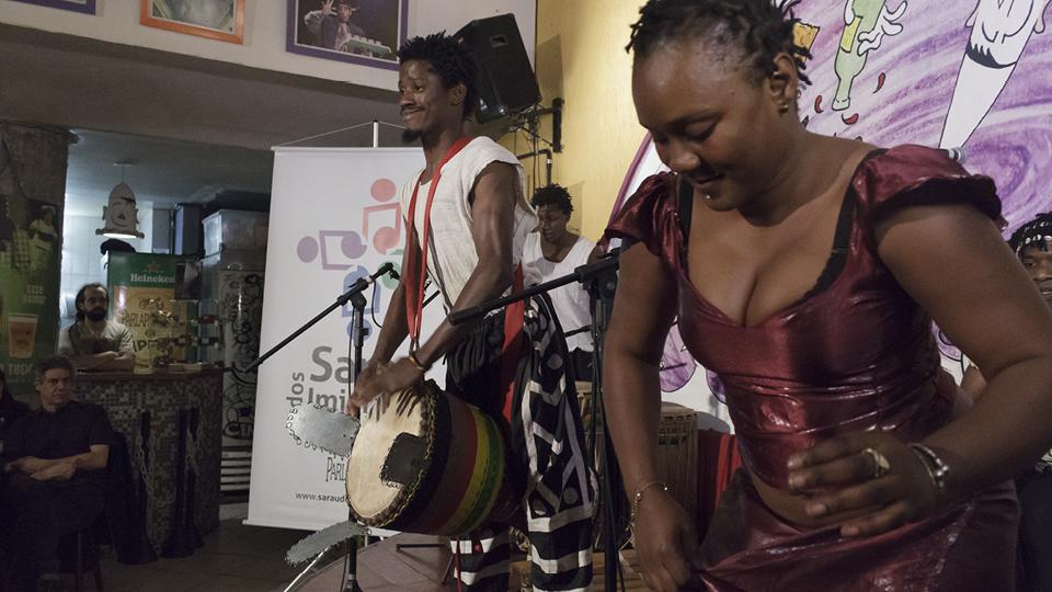 Grupo Fareta Sidibé reproduz as danças da Guiné e de outros países do Oeste africano, como Senegal, Costa do Marfim, Mali e Burkina Faso.