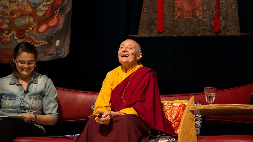 Jetsunma Tenzin Palmo em sua palestra em São Paulo