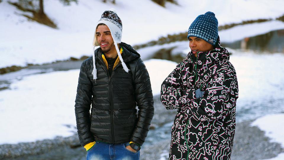 Victor Santos com Lucas Lima, outro destaque do Ski na Rua, em Steg (Liechtenstein)