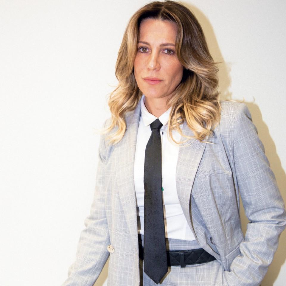 """""""A cultura machista está enraizada no brasileiro. Embora tenha uma lei para proteção da mulher, ela sequer é ouvida – e, quando é, é desacreditada"""", afirma a promotora de Justiça"""