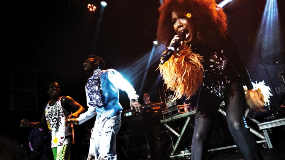 No palco com o Dream Team do Passinho, no Rio de Janeiro, em 2017