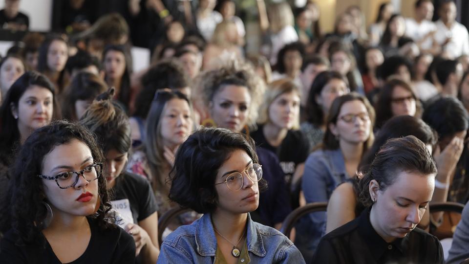 A futurista Daniela Klaiman conversou com a plateia sobre sua ideia de mundo para 2038