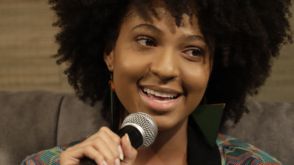 historiadora Giovana Xavier e a estudante Domenica Dias conversaram, com a mediação da arquiteta e ativista Joice Berth, sobre os caminhos para melhorar a vida da mulher negra