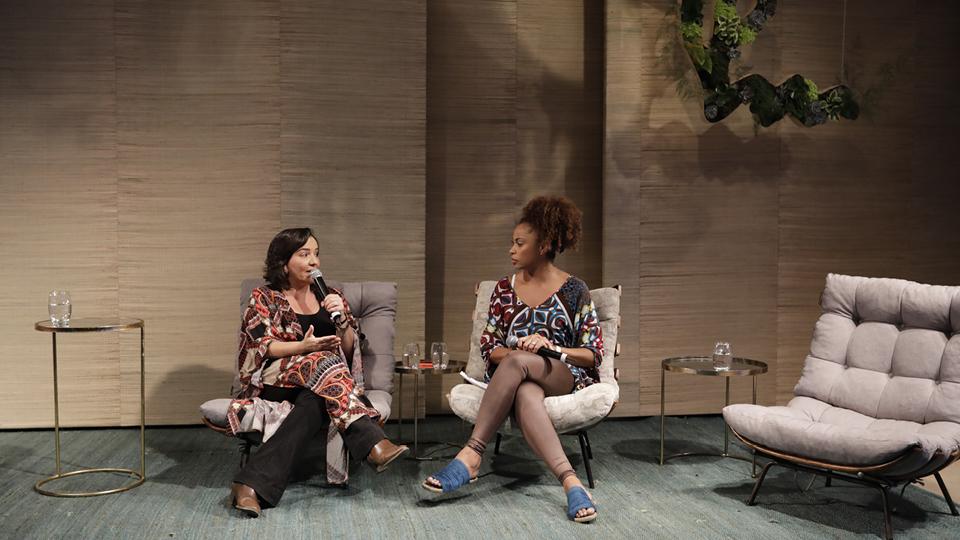 A jornalista Adriana Couto entrevista Ionara Rabelo, psicóloga do Médico Sem Fronteiras