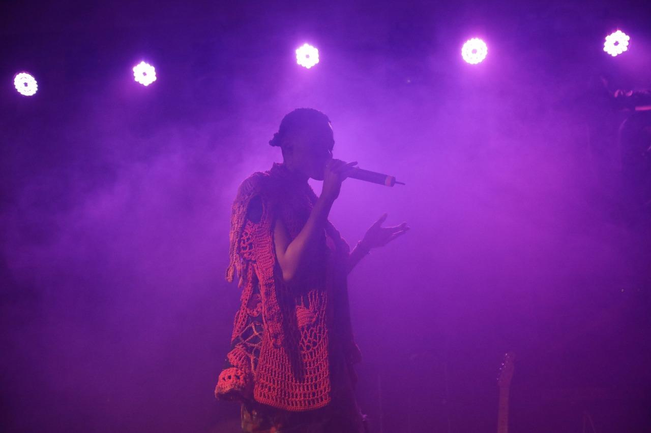Luedji Luna no palco da Casa Tpm
