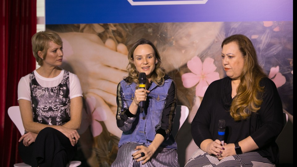 Laura Wie, Luciana Holtz e Regina Liberato