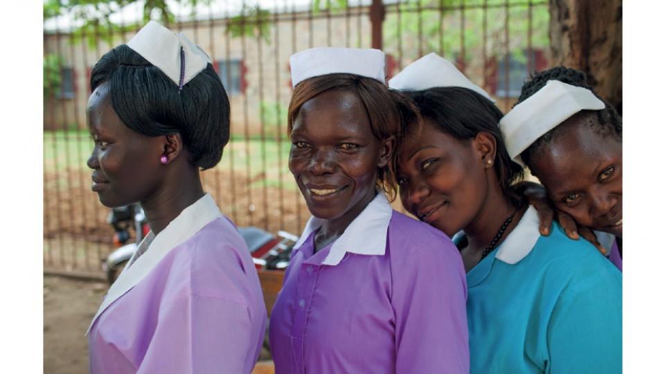 Estudantes de enfermagem e obstetrícia em Juba, no Sudão do Sul, em maio de 2017