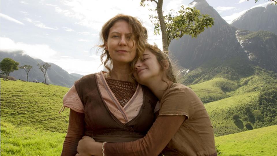 Em ˜Unicórnio˜, mãe e filhase confrontam e se confortam em uma reflexão sobre sexo, morte e maternidade