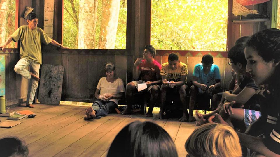 Paul Clark durante uma aula na escola Vivamazônia
