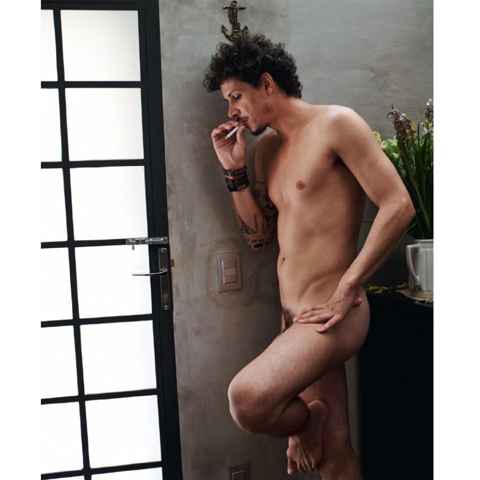 O ator Rafael Losso não tem medo de ser associado ao feminino e gosta de desafiar estereótipos.