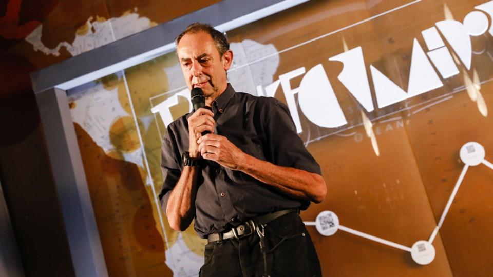 Amyr Klink pensou sobre a importância de prestarmos atenção aos outros, o que ele diz trazer como legado importante dos longas jornadas marítimas em solidão
