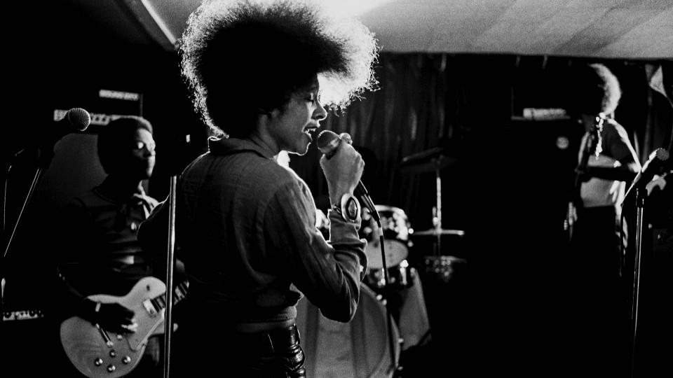 Betty Davis estava ao lado de uma quantidade grande de músicos que influenciaram a história, mas que, naquele momento, estavam sendo influenciados por ela