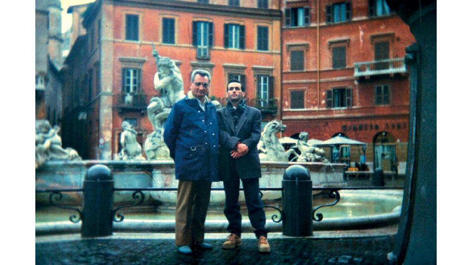 Doutor Mário Ottoboni (criador do método Apac, hoje aposentado), e Valdeci na Itália, em 1996