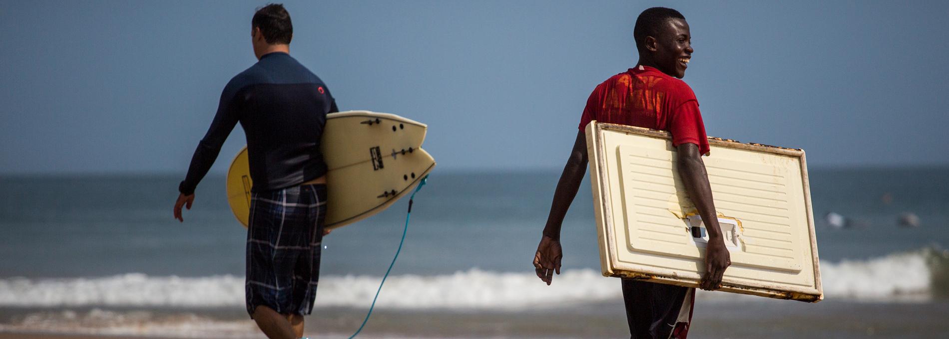 O paraíso de ondas perfeitas em Angola