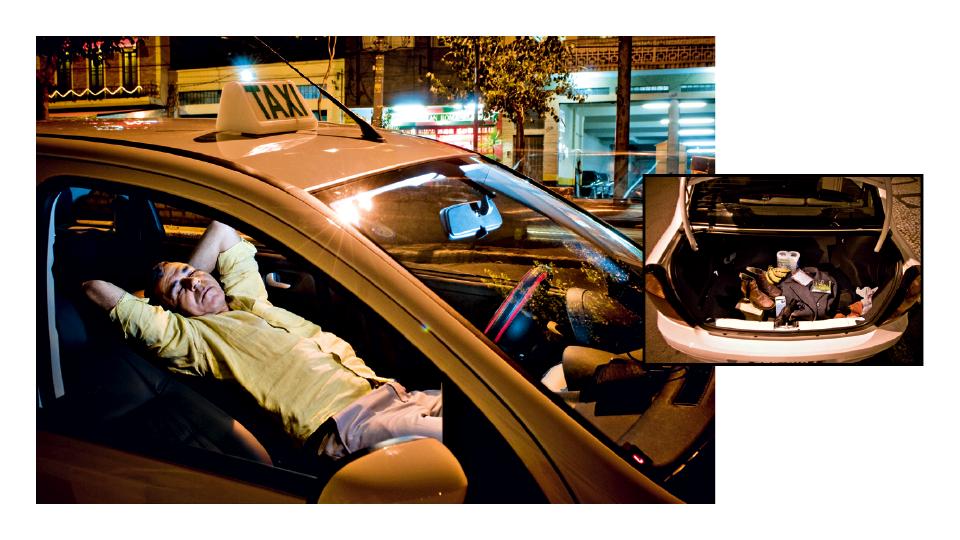 O taxista José Nilson Viana, conhecido como cigano, decidiu trocar as quatro paredes pelas quatro portas e vive em seu carro há 15 anos