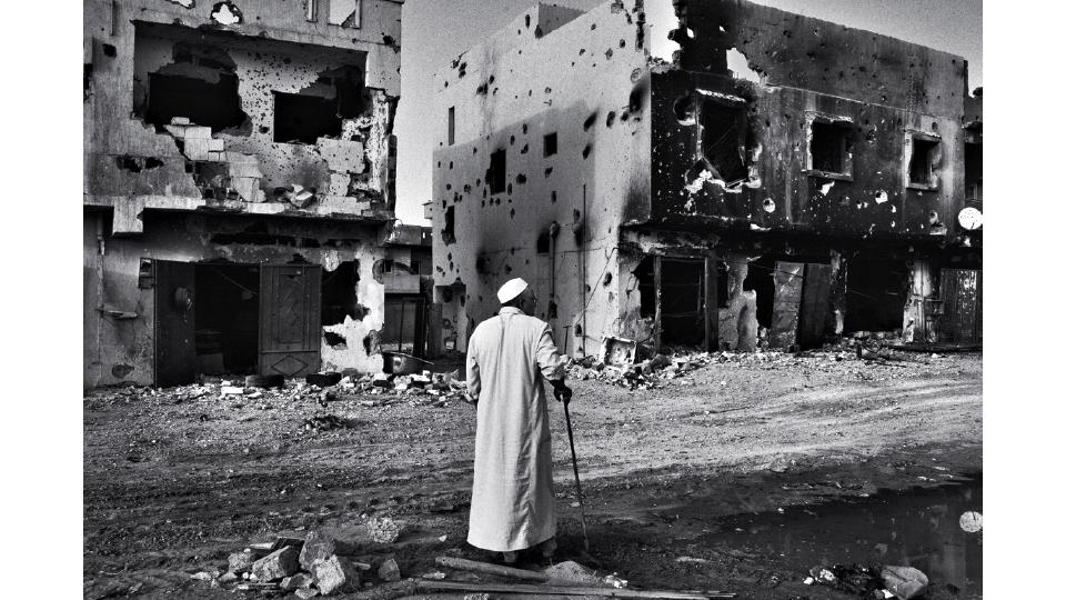 """""""É uma vertente da fotografia que, se bem executada, pode servir de agente transformador da vida das pessoas"""", diz Maurício Lima, autor desta foto, tirada no conflito da Síria, em 2011"""