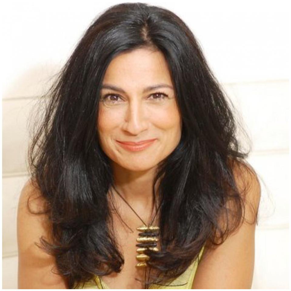 A inglesa Safia Minney trabalha por uma cadeia produtiva mais justa na indústria da moda