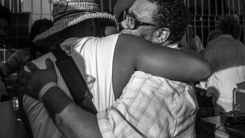 """Juntos em Salvador, em fevereiro de 2018; """"O BNegão é a pessoa pra quem eu ligo para saber o que dizer, ele é a cura de muita coisa"""", diz Russo"""