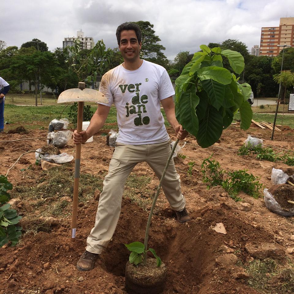 """""""No passado, São Paulo era um local de extraordinária biodiversidade, era o encontro de floras das principais partes do país. Aqui estavam a Mata Atlântica, o Cerrado, bosques de Araucárias, muita vida"""", explica Ricardo Cardim, mestre em botânica e pesquisador da biodiversidade nativa da cidade de São Paulo."""