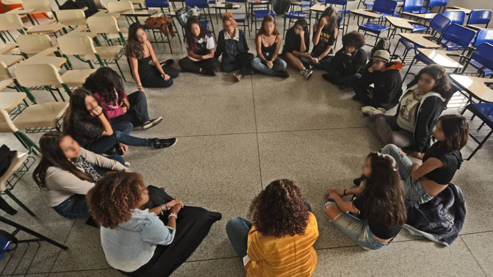 Na Etec Pirituba, cerca de 40 garotas se reúnem quinzenalmente para debater temas ligados ao feminismo