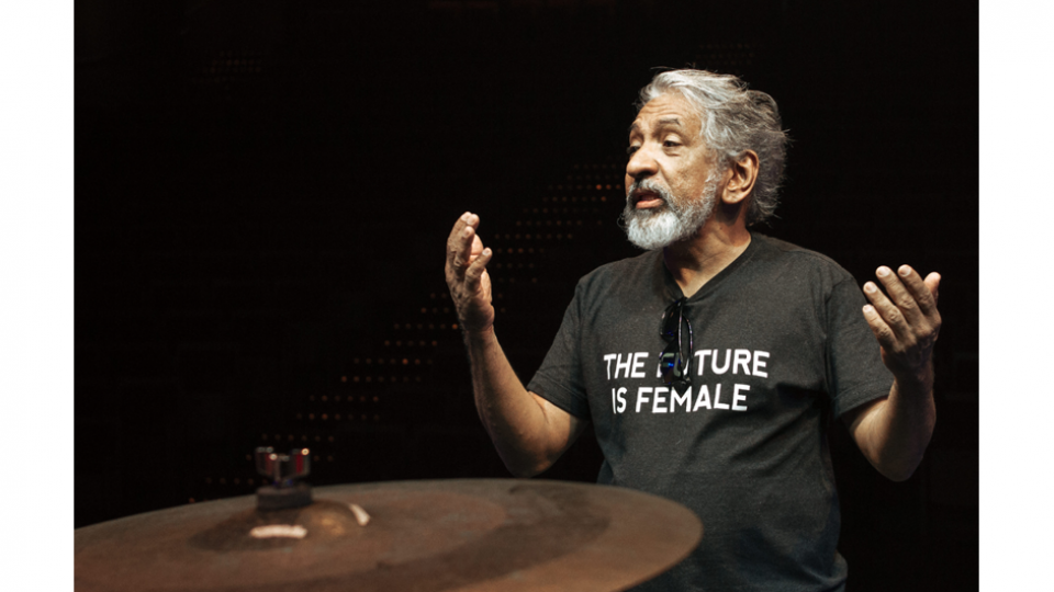 """""""A gente trabalha com esses dois mundos: a manutenção da cultura ancestral e a contemporaneidade que a música negra desenvolveu"""""""