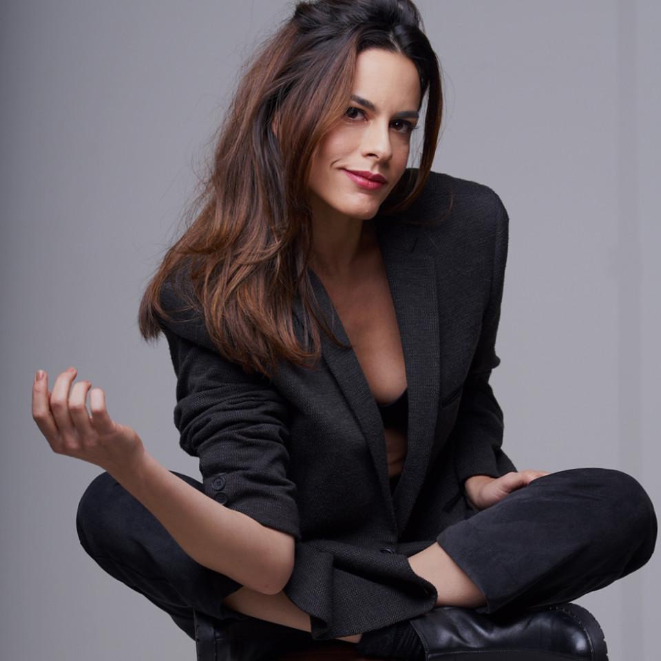 """Luisa é autora e protagonista de """"Soror"""", texto que reflete sobre os arquétipos femininos"""