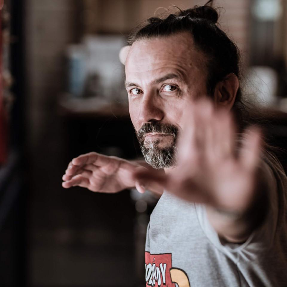 """Halder Gomes, diretor de Cine Holliúdy: """"É um grito de resistência, consciente ou não, à soberania cultural de um povo que quer mais espaço para se ver"""""""