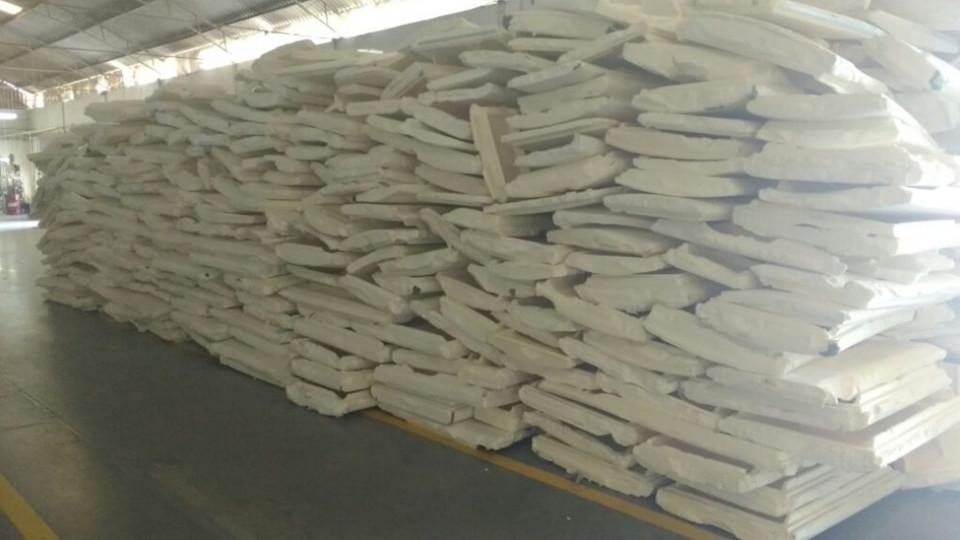 Os resíduos das pranchas podem substituir a madeira em processos industriais variados, como os presentes na construção civil