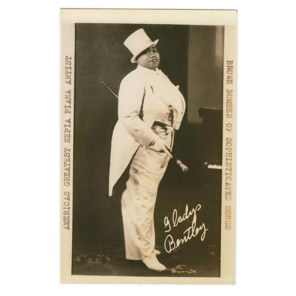 Nos anos 1920 e 30, a cantora e pianista Gladys Bentle desafiava os costumes ao vestir cartola, fraque e peças masculinas em bares de blues