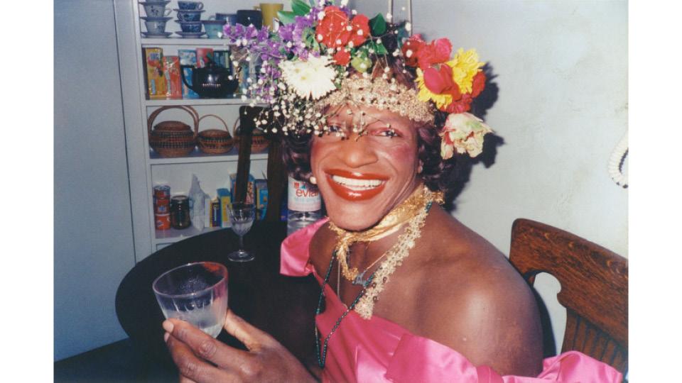 Marsha P. Johnson foi uma ativista LGBTQ, defensora de jovens gays desabrigados e das pessoas portadoras de HIV