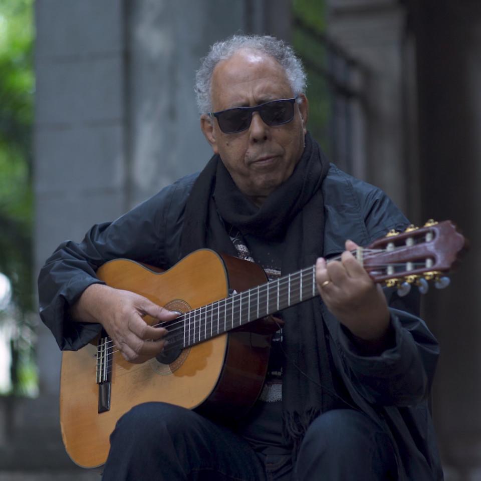 A besta fera Jards Macalé reúne em torno de si expoentes da música experimental de São Paulo e do Rio de Janeiro