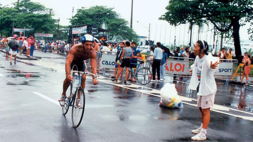 O Triathlon entrou na vida de Abílio nos anos 90; nesta foto, em prova do campeonato paulista, em Santos