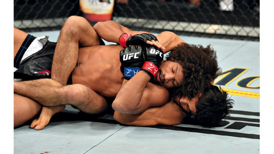 No combate contra Alex Caceres, em que estreou com vitória no UFC, em fevereiro deste ano, nos EUA