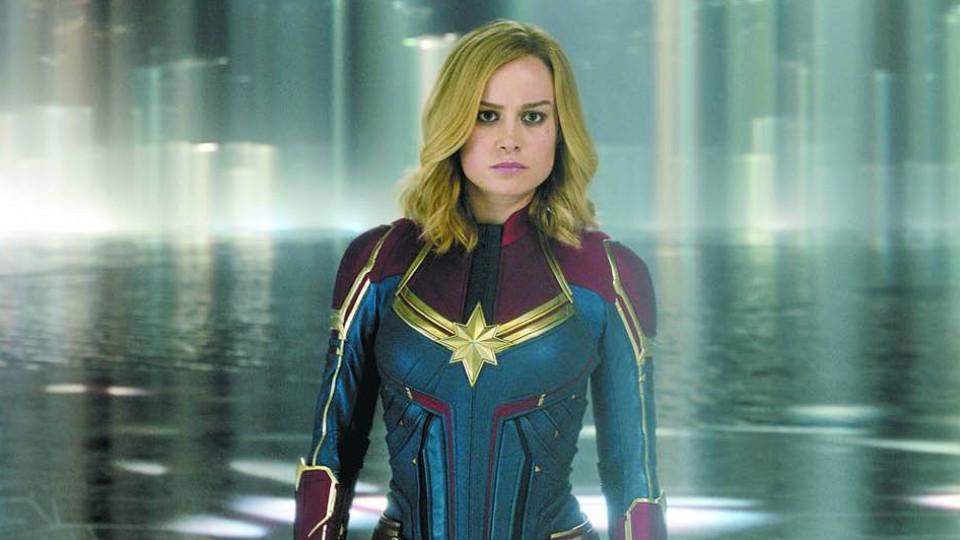 A atriz Brie Larson em cena do filme Capitã Marvel