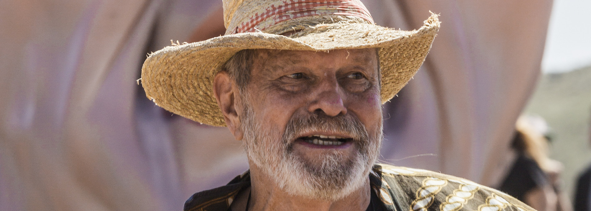 Terry Gilliam brigando com moinhos de vento